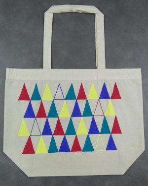kolorowe-trojkaty-srednia-torba